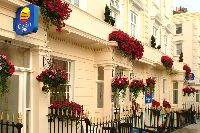 Top 12 Best London Family Hotels - 2017 Guide- Travel with Kids Travel With Kids, Family Travel, Family Hotels London, Best Location, Top, Spinning Top, Crop Shirt, Blouses, Family Destinations