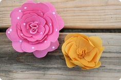 Starched fabric flower tutorial.