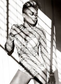 Fashion Magazine Canada November 2013, Miley Cyrus -2