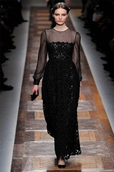 Valentino Fall 2012 Ready-to-Wear Fashion Show - Tilda Lindstam Runway Fashion, High Fashion, Fashion Show, Fashion Looks, Paris Fashion, Fashion Black, Valentino, Tilda Lindstam, Catwalks