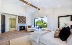 Not many 19-year-olds get fireplaces in their bedrooms. #refinery29 http://www.refinery29.com/2016/12/133924/bella-thorne-los-angeles-home#slide-13