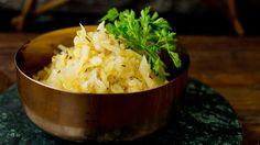 Hjemmelaget surkål Norway Food, Norwegian Food, Vegetable Salad, Grains, Salads, Rice, Vegetables, Recipes, Christmas