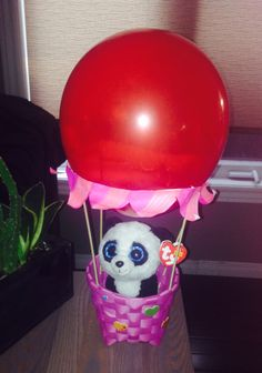 Up, up and away! Beanie Boo hot air balloon craft for birthday party.