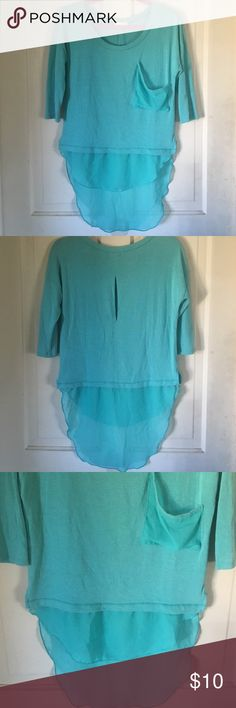 Pearl 3/4 sleeve high low top. S Pearl 3/4 serve high low, sheer detail top. Bust 19 inches. Front length 20.5 inches. Back length 31.5 inches. Arm length 10 inches pearl Tops Blouses