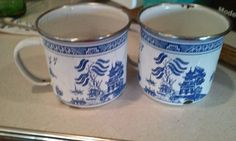 BLUE WILLOW Vintage TIN LARGE CUPS #unknown