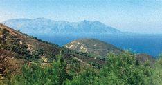 Ιμβρος Οδοιπορικό μνήμης σε μια χαμένη πατρίδα Μια διαφορετική περιήγηση στα έξι ελληνικά χωριά του νησιού όπου, ανάμεσα στα ερείπια, μια χούφτα γενν...