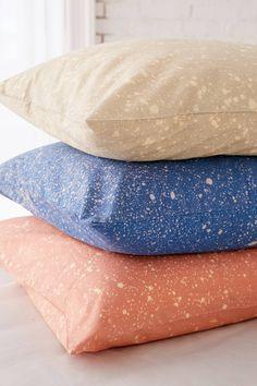Slide View: 1: Splatter Dye Pillowcase Set