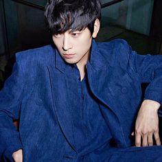 #강동원 #model 전화 좀 안받았다고 삐친 참치  #actor #kangdongwon Asian Actors, Korean Actors, Kang Dong Won, Handsome Asian Men, Lee Byung Hun, Japanese Men, Korean Men, Actor Model, Asian Boys