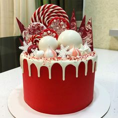 Crazy Red Christmas Cake With Drip within Christmas Cake Designs - Cake Design Ideas Christmas Themed Cake, Christmas Cake Designs, Christmas Cake Decorations, Christmas Sweets, Christmas Cooking, Holiday Cakes, Holiday Desserts, Holiday Baking, Xmas Cakes