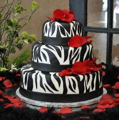 Zebra print cake. I may not be able to make this but it's beautiful to look at.