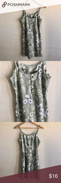 Especially Yours Floral Summer  size 7/8 Especially Yours size 7/8  Measurements:  undermar to undearm: 17 Inches Lenght: 35 Inches   Thank you for visiting us, Please take a look at my other great items! especially yours Dresses