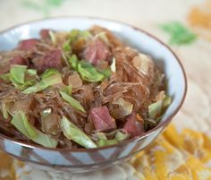 Canned corned beef. Tongan Food, Samoan Food, Veggie Recipes, Asian Recipes, Canned Corned Beef, Polynesian Food, Island Food, Beef And Noodles, International Recipes