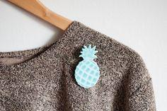 Pineapple Brooch Turquoise van broesj op Etsy, €6.50