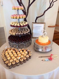 The Abbey Vendors - cupcakes at the Cuvier Club
