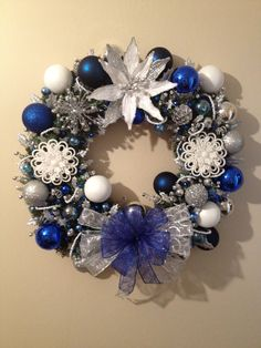 Blue, White & Silver Wreath – I simply love these colors at Christmas time. Th… – The Best DIY Outdoor Christmas Decor Blue Christmas Tree Decorations, Christmas Centerpieces, Christmas Colors, Silver Christmas, Christmas Time, Christmas Gifts, Silver Garland, Holiday Wreaths, White Rope