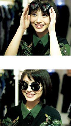 Flat Chested Fashion, Vietnamese Dress, Cool Hats, Asian Girl, Glamour, Sunglasses, Lady, Pretty, Cute