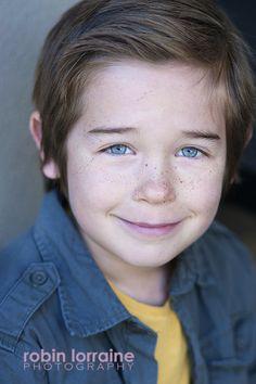 Amazing eyes!  Child acting headshot by Robin Lorraine Photography.