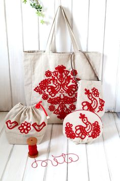 mici 作品 irasos himzes; Hungarian style embroidery; red work on linen