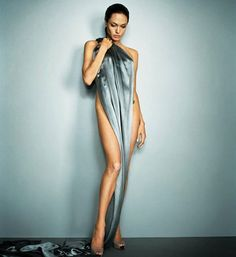 Happy Birthday, Angelina Jolie - See 38 of Her Sexiest Pictures! - Angelina Jolie posed on a silk sheet for her July 2007 Esquire filming. Angelina Jolie Fotos, Angelina Joile, Angelina Jolie Pictures, Angelina Jolie Photoshoot, Jolie Pitt, Le Jolie, Celebrity Photography, Fashion Photography, Photography Office