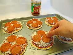 Crockpot Recipes For Kids, White Pizza Recipes, Healthy Pizza Recipes, Easy Pizza Recipe For Kids, Toddler Pizza Recipe, Yummy Recipes, Fancy Pizza, Good Pizza, Recipes