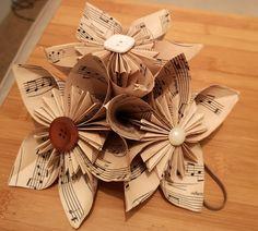 DIY Vintage Wedding centerpieces Vintage Wedding Centerpieces, Wedding Crafts, Paper Crafts, Gift Wrapping, Gifts, Diy, Gift Wrapping Paper, Presents, Tissue Paper Crafts