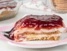 Γλυκό ψυγείου με μπισκότα και γιαούρτι! Delicious Desserts, Dessert Recipes, Greek Cooking, How Sweet Eats, Greek Yogurt, Yummy Cakes, Tiramisu, Sugar Free, Cheesecake
