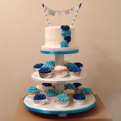 Baby Shower cake with matching cupcakes