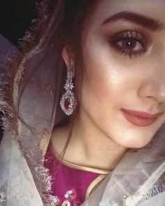 Girls dps Punjabi Girls, Pakistani Girl, Pakistani Actress, Stylish Girl Images, Girls Dpz, Cute Faces, Girls Image, Bridal Dresses, Actors & Actresses