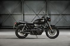 2017 Triumph Bonneville T100 Black studio side view