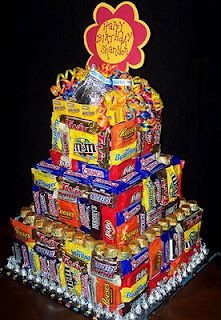 Candy Bar - if you are looking to plan a candy party, need candy party faovrs or just candy ideas check our out site today! Candy Birthday Cakes, Candy Cakes, Diy Birthday, Cupcake Cakes, Birthday Gifts, Cupcakes, Happy Birthday, 17th Birthday, Candy Arrangements