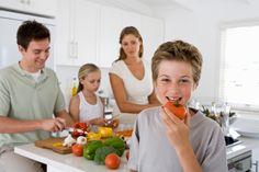 Gezonde leefstijl verlengt leven 15 jaar - MAASTRICHT - Vrouwen met een gezonde leefstijl kunnen 15 jaar ouder worden dan hun ongezonde generatiegenoten. Voor mannen is dat 8,5 jaar. Dat blijkt uit onderzoek van de Universiteit Maastricht.