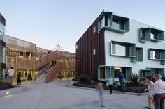kevin daly architects' broadway housing in santa monica california