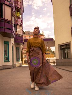 Colorful and bold. Elegant and made to fit all you queens. A must have for the upcoming sunny season! Have you seen all the designs we have for you? Head straight to our website! Maxi Skirts, Summer Skirts, Summer Outfits, Ethical Fashion Brands, African Print Fashion, African Fabric, Queens, Sari, Colorful