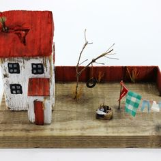 "Kurgu Kraft (@kurgukraft) on Instagram: ""Kırmızı çatılı ev... House with red roof"" @kurgukraft on instagram #driftwoodart #driftwoodhouses #littlewoodenhouses #homedecor #reclaimedwood #beach #kurgukraft"