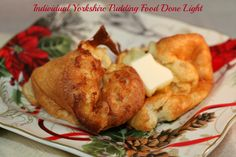 Puffy and light, Individual Yorkshire Pudding is like a bit of heaven in every bite. Yorkshire Pudding is a true dish that takes me back to my childhood in England. I think it may be my very favori. Healthy Holiday Recipes, Fun Easy Recipes, Christmas Dishes, Christmas Side, Good Food, Yummy Food, Eating Light, English Food, International Recipes