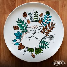Plato Zorrito – El Taller de Magnolia Painted Ceramic Plates, Ceramic Decor, Ceramic Design, Hand Painted Ceramics, Ceramic Painting, Ceramic Bowls, Pottery Painting Designs, Pottery Designs, Paint Designs