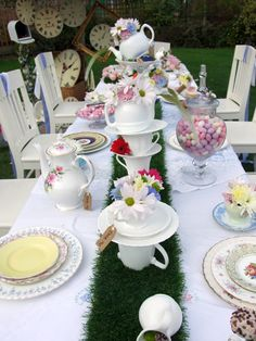 1000 images about wonderland wedding on pinterest for Table exterieure originale