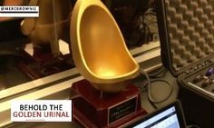 """WATCH: Giants to dish out 'M-V-Pee' Award to most hydrated player = The San Francisco Giants have become accustomed to adding to their to trophy case over the years. While winning World Series titles in 2010, 2012 and 2014, the Bay Area club failed to cash in on their """"even year magic"""" in 2016. However, it will actually be the odd year of 2017 when the Giants once again add to their heralded trophy case. Even so, it will not be with….."""