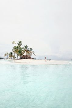 san blas island of panama - gorgeous beach! Places To Travel, Travel Destinations, Places To Visit, Travel Stuff, The Beach, Ocean Beach, Travel Goals, Adventure Is Out There, Island Life