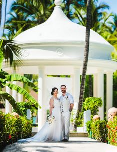 Majestic Colonial Punta Cana is one of the best resorts for destination weddings in the Dominican Republic. Here I go into why I feel that way based on my many weddings at the Majestic. Best Resorts, All Inclusive Resorts, Majestic Colonial Punta Cana, Bavaro Beach, Punta Cana Wedding, Place To Shoot, Amazing Destinations, Destination Wedding, Wedding Photos