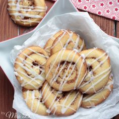 Zimtschnecken sind der Hammer. Punkt. Fakt zwei, auf den wir uns glaube ich alle einigen können: Cookies gehen immer! Dieses Rezept ist ...