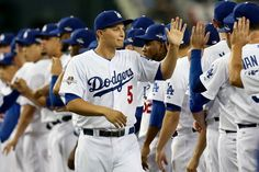 Corey Seager and Dodgers prior to beginning of Game 1 NLDS v NYM, Oct 9 ,2015