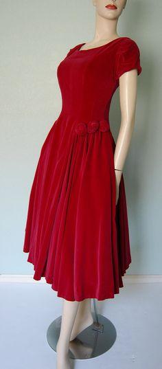 R e s e r v a d de los años 50 romántico rojo por KittyGirlVintage