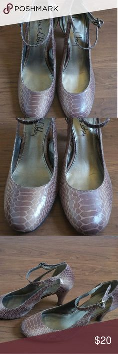 Sam & Libby snake print heels In very good used condition Size 6 1/2 No box Sam & Libby Shoes Heels