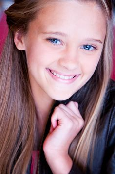 Lizzy Greene, a Dallas Actress: Nicky, Ricky, Dicky & Dawn. Lizzy Greene is an actress, known for Nicky, Ricky, Dicky & Dawn (2014), Damaged Goods (2014) and The Thundermans (2013). Studied at the Dallas native studied at the Plano-based Fun House Theater and Film school. Six months after signing with an LA manager, Greene survived an arduous audition process (13 auditions!) to land this role.