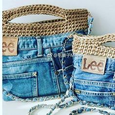 Crochet handbags 56858014032238816 - Sac jeans Source by patricebessone Jean Crafts, Denim Crafts, Diy Jeans, Crochet Handbags, Crochet Purses, Free Crochet Bag, Crochet Top, Sac Granny Square, Cut Shirt Designs