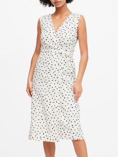 Linen-Cotton Wrap Dress | Banana Republic Cute Dresses, Cute Outfits, Dresses For Work, Summer Dresses, Womens Linen Clothing, Banana Republic Dress, Flare Skirt, Wrap Dress, My Style