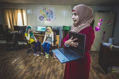 How can technology transform the refugee crisis? Refugee Crisis, Bright Future, Cloud Computing, Big Data, Blockchain, Technology, Canning, Tech, Tecnologia
