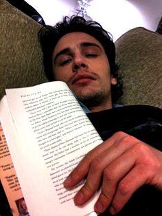 Leer también es cosa de hombres. James Franco