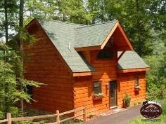 """Beautiful log #cabin with first class amenities! Main level features full size kitchen, pool table, living room with 42"""" LCD TV, unlimited long distance & full bath with steam shower. Grill steaks & eat under the stars with full size dining table on main deck with adjoining 4 person hot tub. Loft bedroom features king size bed with luxurious duvet, Jacuzzi, ½ bath, & covered deck with rocking chairs. #Gatlinburg #Pigeon #Forge #family #vacation #getaway #cabin #honeymoon #anniversary…"""